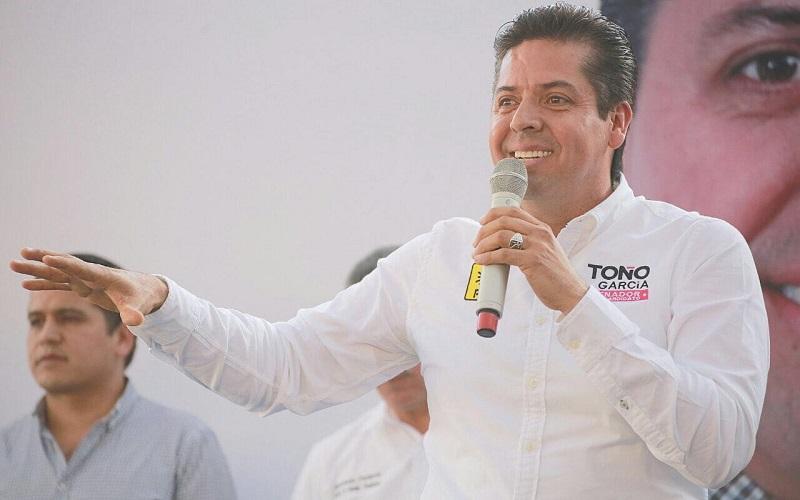 """""""He venido con los perredistas a llenarme de energía y me da mucho gusto ver tanta gente que se ha reunido, veo la disposición y sólo puedo responder con resultados en el Senado"""", dijo García Conejo"""