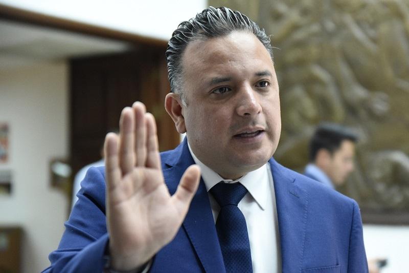 Quintana Martínez exhortó a los presidentes de los 113 ayuntamientos, a redoblar esfuerzos y coordinarse con el Estado para establecer estrategias más efectivas que detengan la violencia