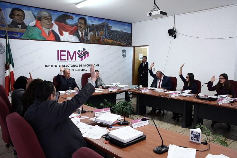 De la misma manera fue aprobado el proyecto de acuerdo sobre las modificaciones al Reglamento de Candidaturas Independientes del Instituto y un formato específico de los tres tipos de elección