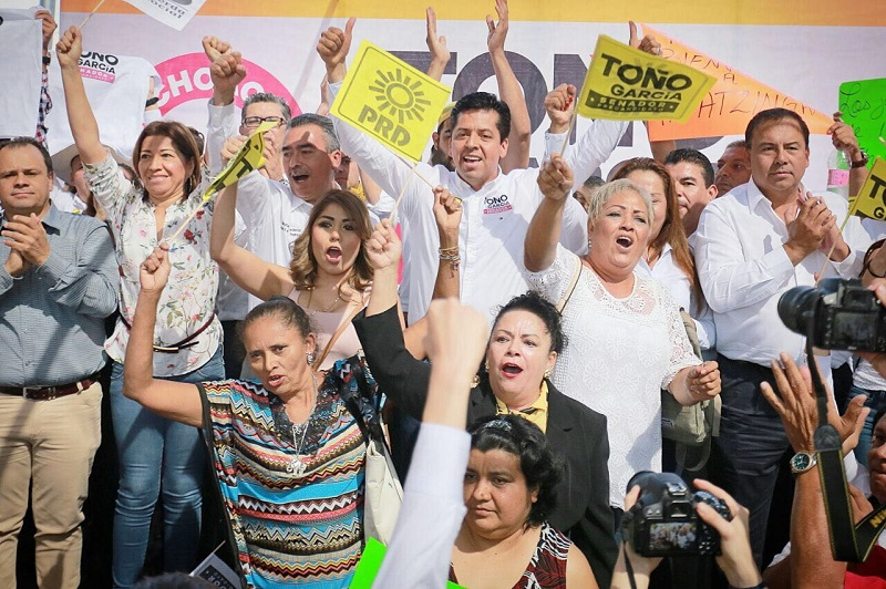 Con García Conejo estuvieron presentes liderazgos perredistas como el coordinador estatal de Nueva Izquierda, Juan Carlos Barragán; la diputada local, Nalleli Pedraza Huerta, y los diputados federales Guadalupe Hernández y Ángel Alanís Pedraza