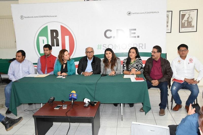 """""""No existe una actitud de parcialidad, en el PRI de Morelia existe piso parejo para todos aquellos que aspiren a una candidatura"""", dijo el dirigente municipal, Salvador Galván"""