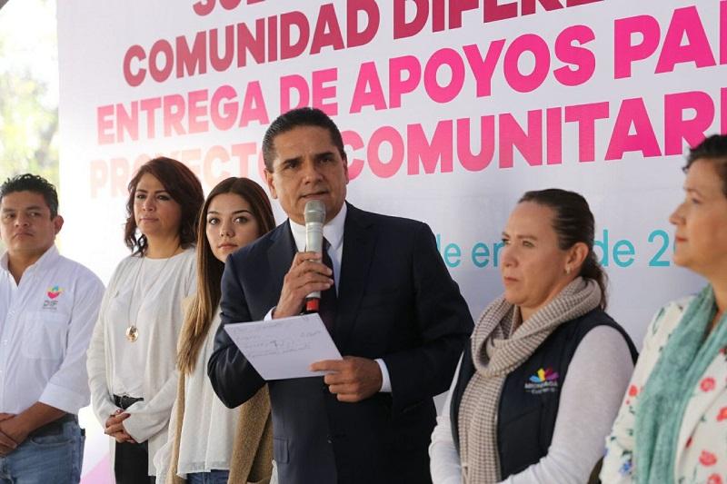 Aureoles Conejo reiteró su compromiso de entregar unidades de transporte para los 113 DIF municipales en el mes de febrero