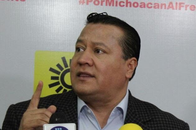 """García Avilés hizo un llamado a los presidentes municipales del Sol Azteca y de otros partidos políticos, así como a los """"independientes"""", que pidan licencia con tiempo"""