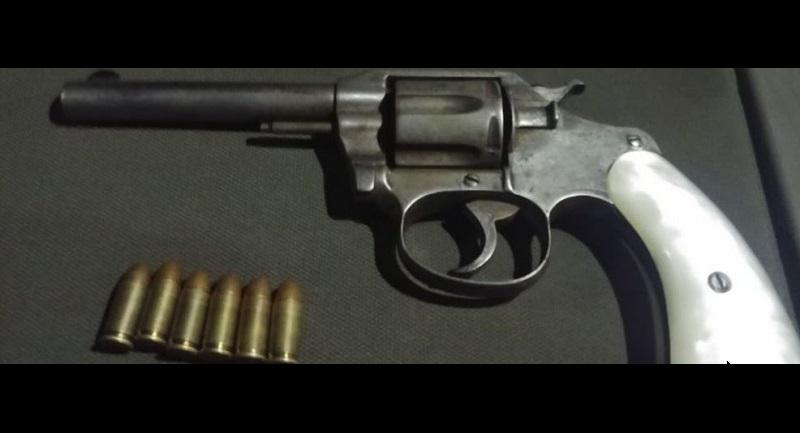 El detenido, identificado como Víctor M., y el arma de fuego, serán puestos a disposición de la autoridad competente