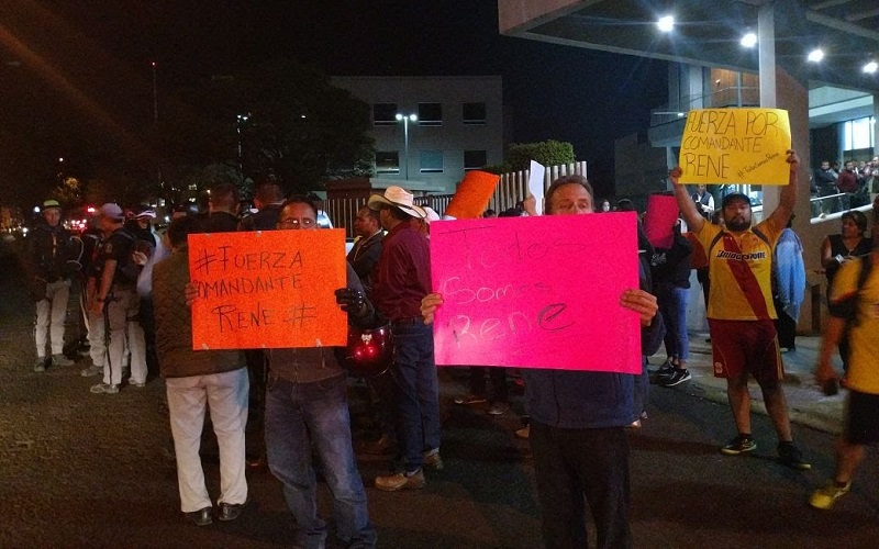 Los manifestantes obstruyen parcialmente la Calzada La Huerta, por lo que se recomienda tomar precauciones