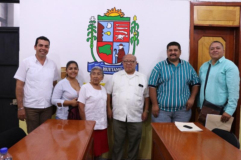 Durante una rueda de prensa, el alcalde reconoció a los ganadores de los proyectos, quienes con su trabajo beneficiarán a la población de Huetamo, por lo que reiteró todo el apoyo de su administración municipal