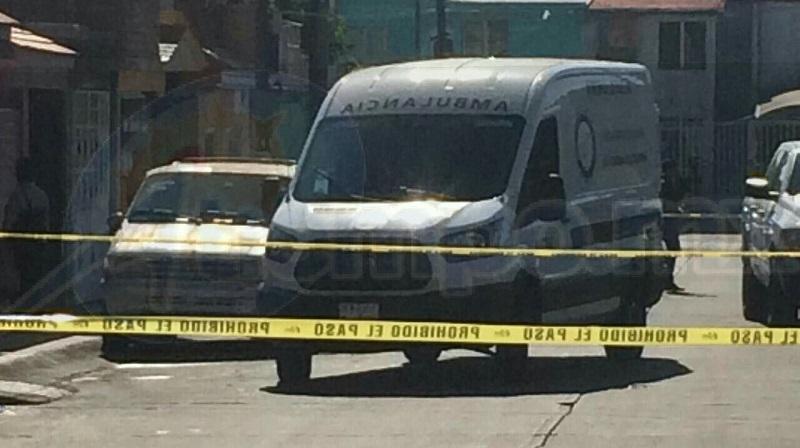 El hallazgo de registro cuando alertaron a elementos de la Unidad Morelia, que en el interior de un domicilio ubicado sobre la calle Juan Guillermo Villasana se encontraba una mujer sin vida
