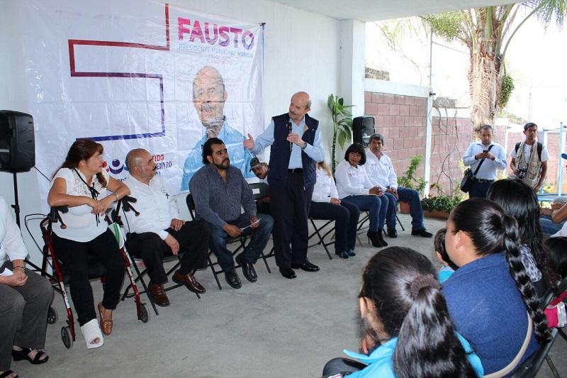Acompañado por integrantes de su planilla, el cuatro veces alcalde de Morelia resaltó que en su campaña no ofrece despensas, ni compra conciencias, sino propuestas concretas para mejorar las condiciones de los morelianos