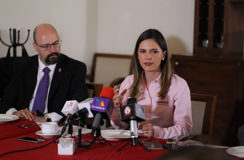 Daniela de los Santos dijo que dentro de sus propuestas de gobierno se encuentra establecer un Instituto del Emprendedor que sea fortalecido con las instituciones educativas