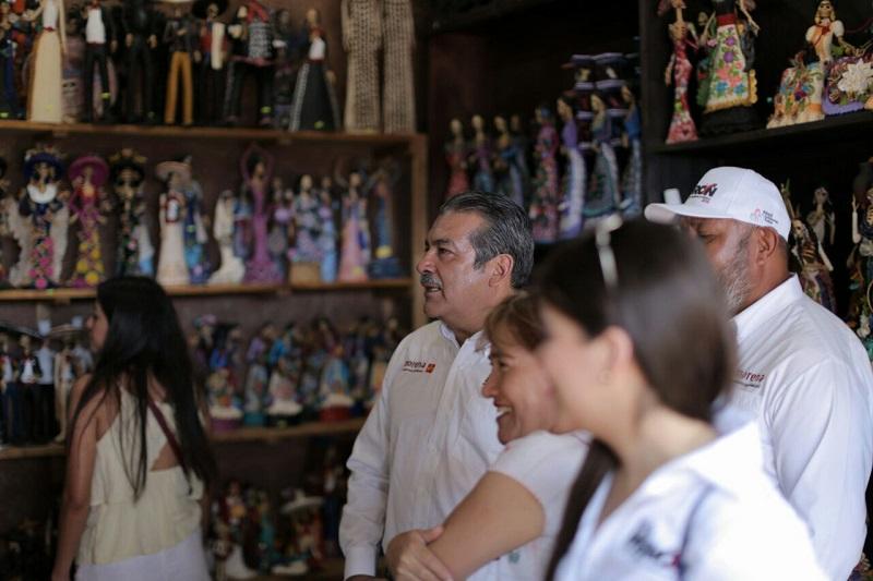 Raúl Morón destacó que de la misma forma que los mexicanos están molestos por los gobiernos erráticos que han llevado al país a sufrir crisis de violencia, inseguridad y nulo crecimiento económico, lo mismo sucede en Morelia