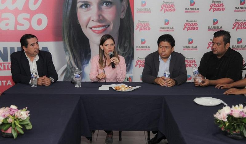 Daniela de los Santos reiteró que su compromiso ha sido establecer lazos con las facultades de la UMSNH para ofrecer un servicio social efectivo
