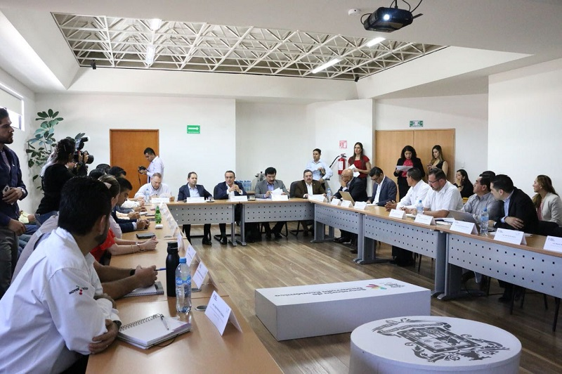 El objetivo de este encuentro, dijo, es analizar el proceso de gestión y ejecución de obras de infraestructura productiva y de equipamiento urbano, necesarias para el desarrollo integral del área de influencia de la zona económica
