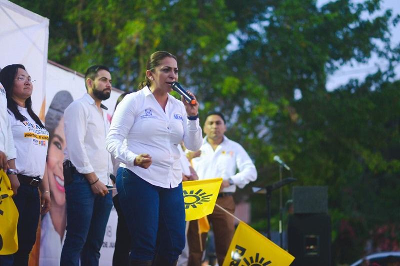 Alma Mireya González comentó que a través de la generación de empleos se mejorará la calidad de vida de los habitantes de esta región