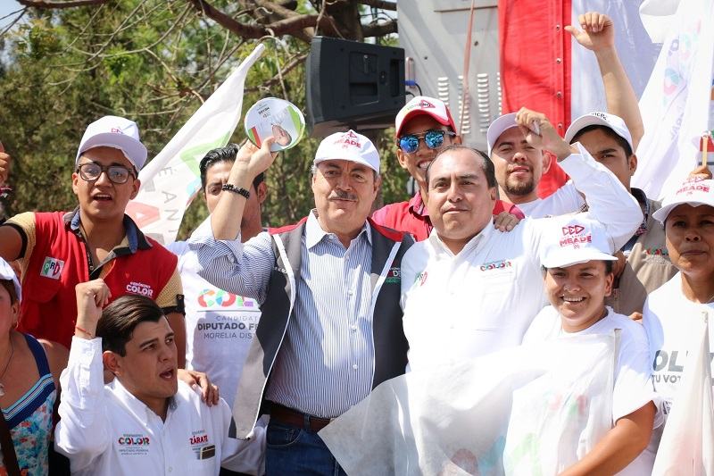 Cientos de jóvenes participan en la promoción de la propuesta política de Pepe Meade