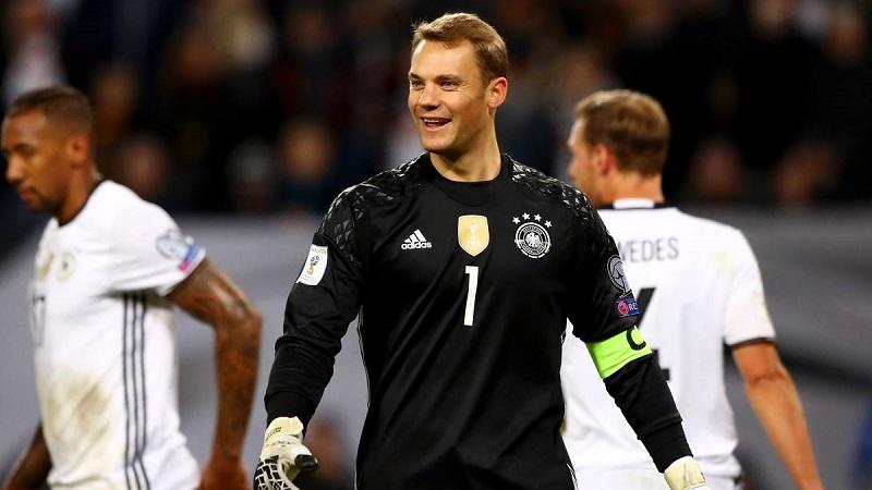 Neuer, que reapareció el sábado en el amistoso contra Austria tras ocho meses sin jugar, agradeció a todos los que lo han acompañado durante su lesión