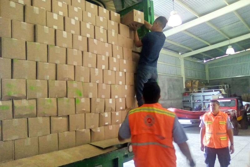 Para tal efecto, la Coordinación Estatal de Protección Civil, realiza su respectiva organización y prepara la logística de entrega de estos paquetes humanitarios