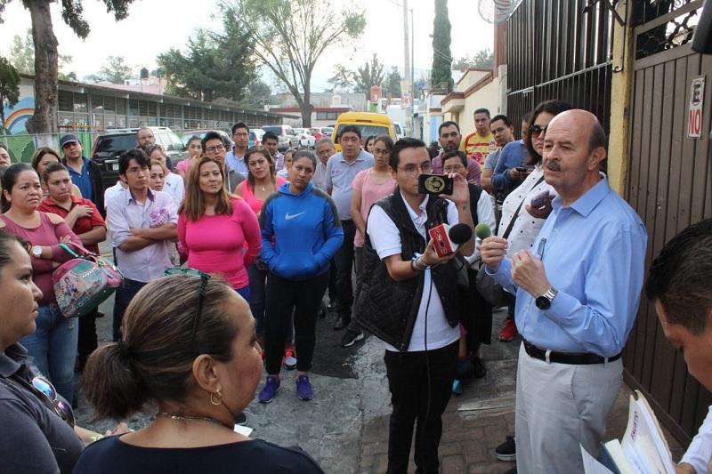 Vallejo Figueroa felicitó la organización que tienen en esta institución y recordó que el tema de la educación es facultad de los gobiernos federal y estatal