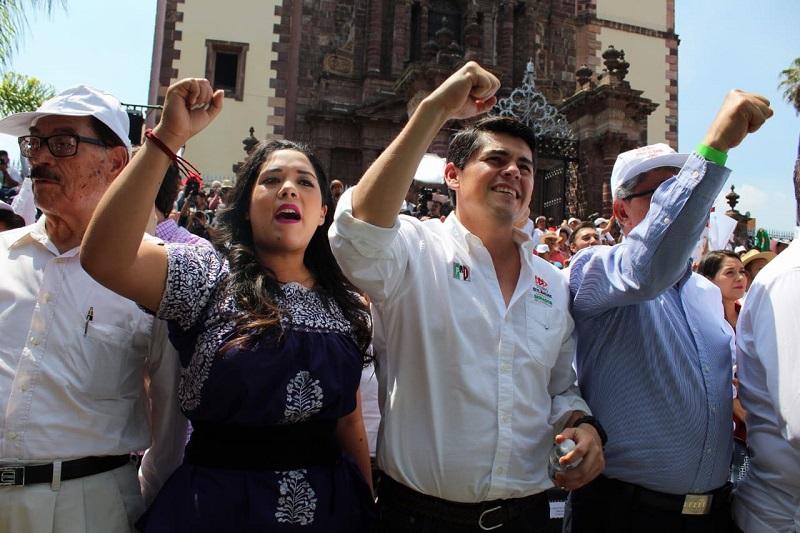 Toño Ixtláhuac, asistió a los mítines del aspirante a la presidencia de la República José Antonio Meade, en Zamora y La Piedad, además de que cumplió con sus actividades en Morelia