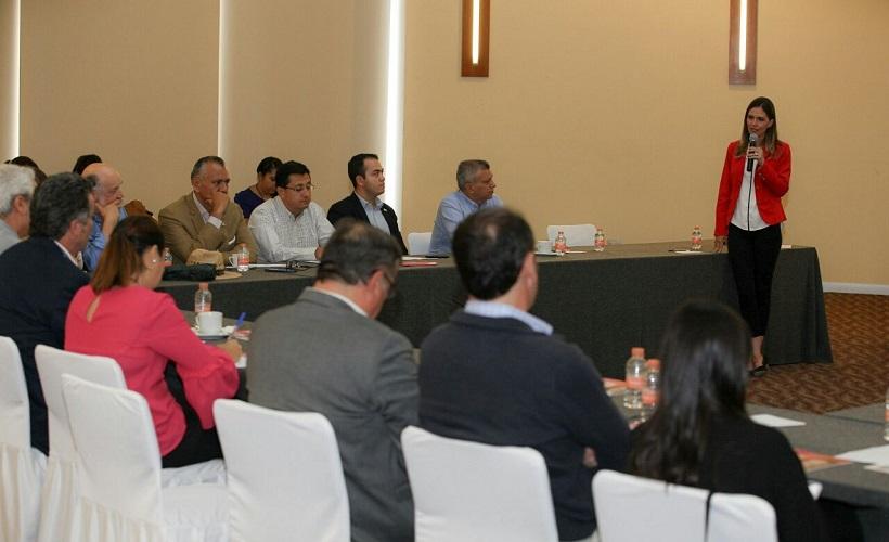 """La candidata sostuvo una reunión con la asociación """"Por un bien común Morelia Unida"""", con quienes estrechó lazos"""
