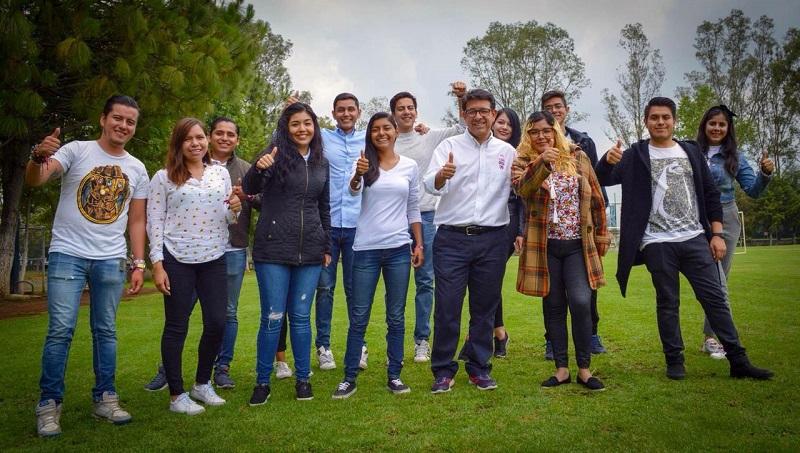 Eligio González Farías propone también ajustar los planes de estudio de acuerdo a la región, esto para que haya más oportunidades de empleo para los jóvenes y no exista la fuga de cerebros