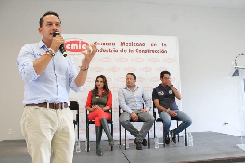 """Sanata González coincidió en la idea de terminar con los """"moches"""" y actos de corrupción a la hora de asignar la obra pública no solo a las grandes industrias, también a pequeños y medianos constructores"""