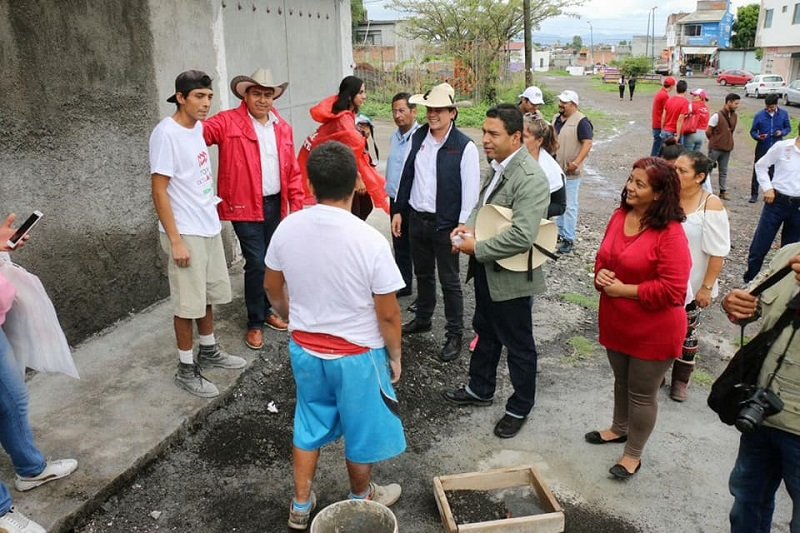"""López Mújica, está comprometido en que las condiciones de vida de los morelianos mejoren """"y esto será más viable  si logramos que los ciudadanos voten 5 de 5 por los abanderados del PRI"""""""