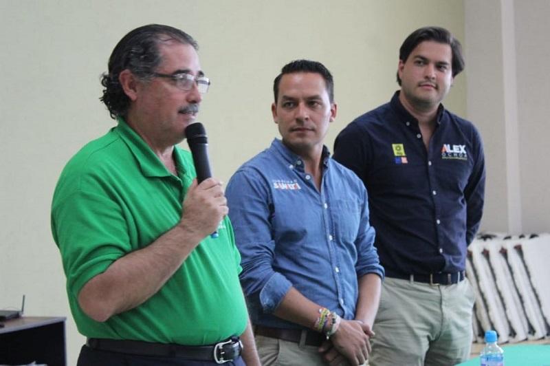 """El abanderado de la coalición """"Por Morelia Frente"""" manifestó su voluntad de apoyar desde el Congreso de Michoacán los derechos de los trabajadores y trabajar en propuestas para mejorar la operatividad al interior de las dependencias y la estructura del Poder Ejecutivo"""