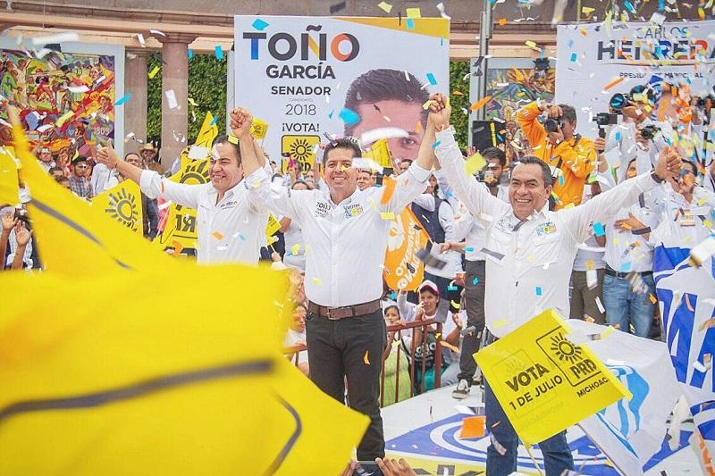 """Toño García afirmó que la voluntad de la gente se verá reflejada en las urnas votando por los candidatos del Frente, y quedará demostrado que """"en Michoacán y en México somos más los que queremos un cambio verdadero"""""""
