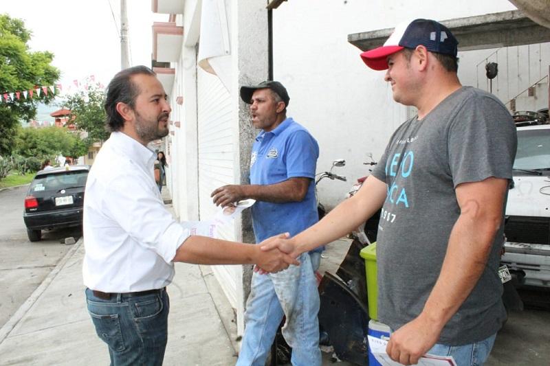 Vallejo Mora presenta sus propuestas a los colonos de esta parte de la ciudad, quienes le demuestran su total respaldo