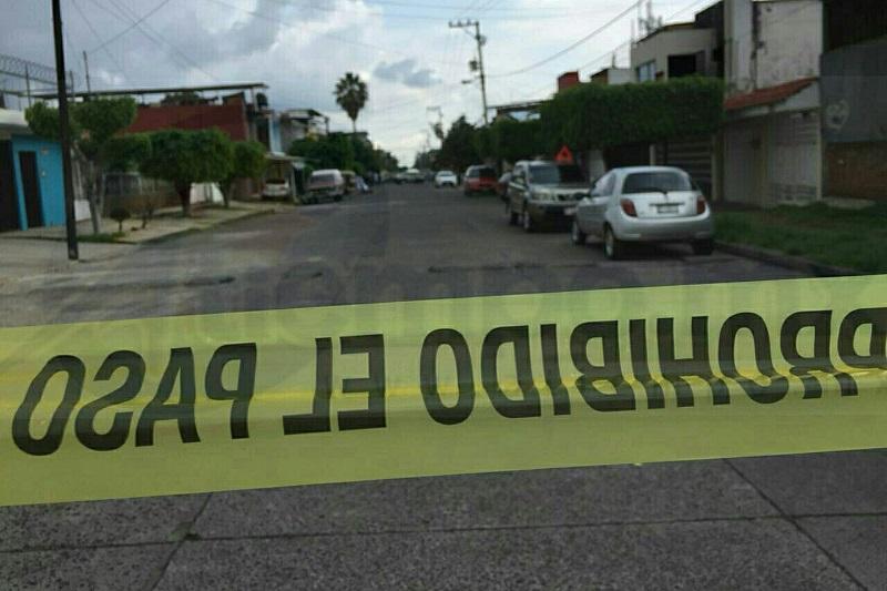 Al lugar acudieron elementos de la Policía Michoacán, los cuales confirmaron la muerte de la persona y resguardaron el lugar solicitando apoyo a la Fiscalía Regional para iniciar la carpeta de investigación por este homicidio