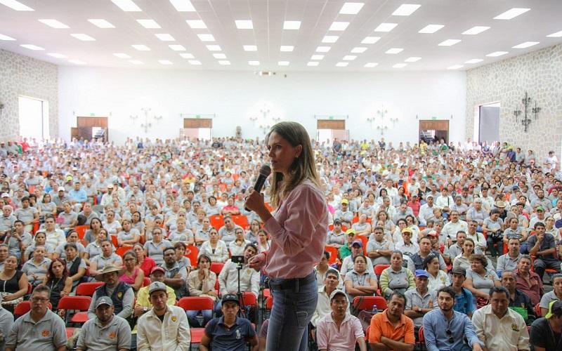 La candidata recibió el respaldo de miles de los sindicalizados, quienes reconocieron en Daniela la experiencia, capacidad y firmeza para gobernar la capital del estado