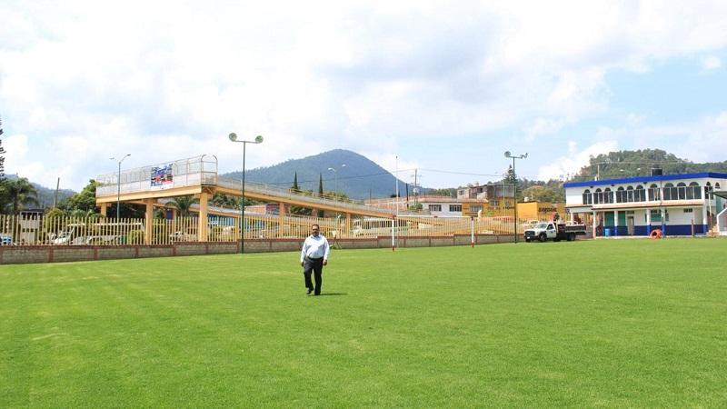 Durante el recorrido, el legislador estimó que en 15 días se pondrá inaugurar la iluminación en esta Unidad Deportiva, la cual generará grandes beneficios a la población, además de fortalecer el impulso al deporte