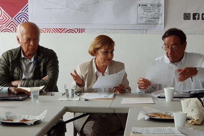 Blanca Piña, solicitó el apoyo de los presentes para trabajar en la autopsia administrativa de las leyes federal y estatal en materia de administración pública