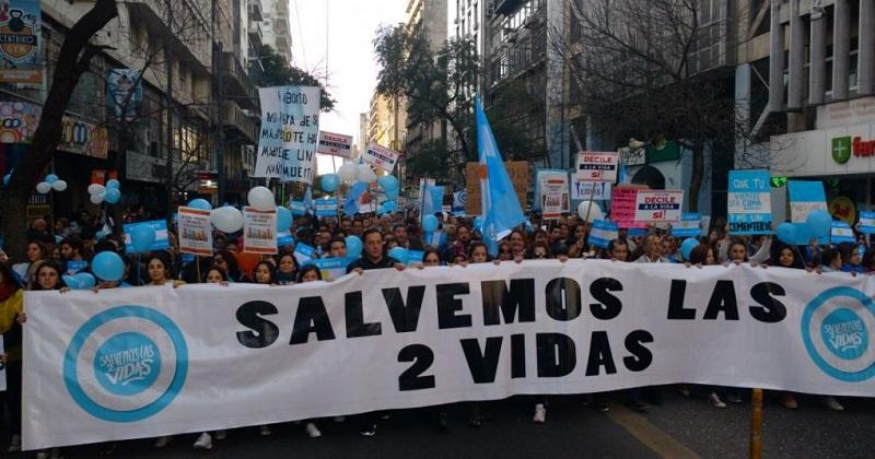 La campaña «Salvemos las dos vidas» ha logrado despertar la conciencia dormida de muchos argentinos que, sin ser proabortistas, no comprendían bien la naturaleza de lo que se decidía en las cámaras legislativas