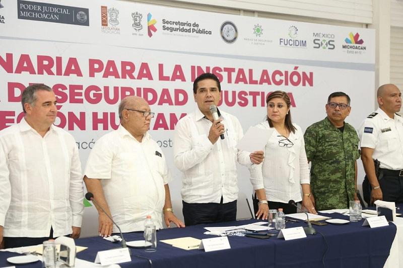 Gilberto Zarco también resaltó la colaboración y apoyo del doctor Elías Ibarra quien siempre ha buscado beneficiar a Huetamo, gestionado y emprendiendo acciones en favor de los huetamenses