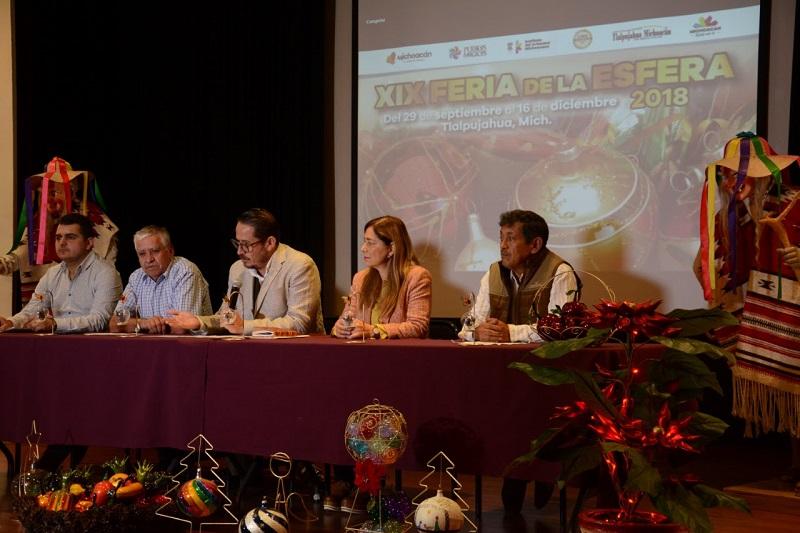 El artesano Alfredo Valpuesta Manzano, reiteró la invitación al público en general, y comentó que cada año se preparan con piezas innovadoras para mantenerse en el gusto de los clientes