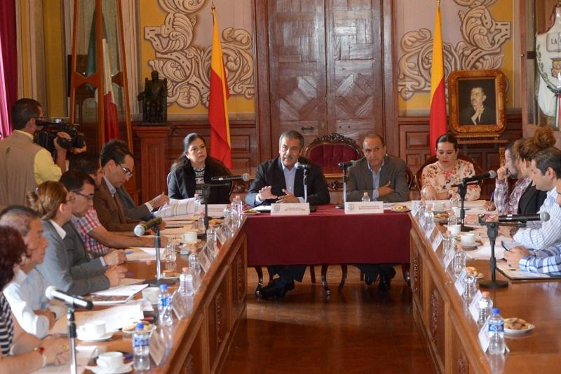 """""""Seremos autosuficientes para evitar que el mantenimiento de las unidades sea un gasto oneroso"""", señaló el alcalde Raúl Morón"""