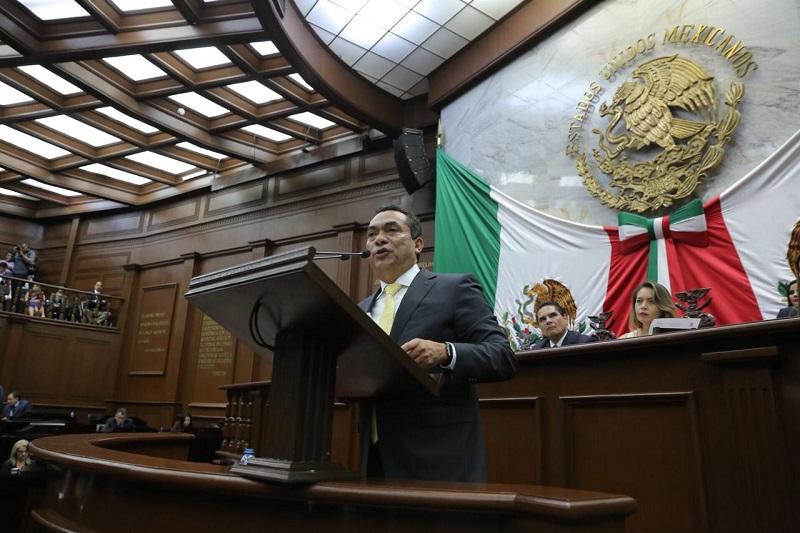 """Adrián López llamó """"al diálogo para entendernos, actitud para reconciliarnos y al trabajo para salir adelante. Lo importante aquí son los ciudadanos y para ellos debemos trabajar"""""""