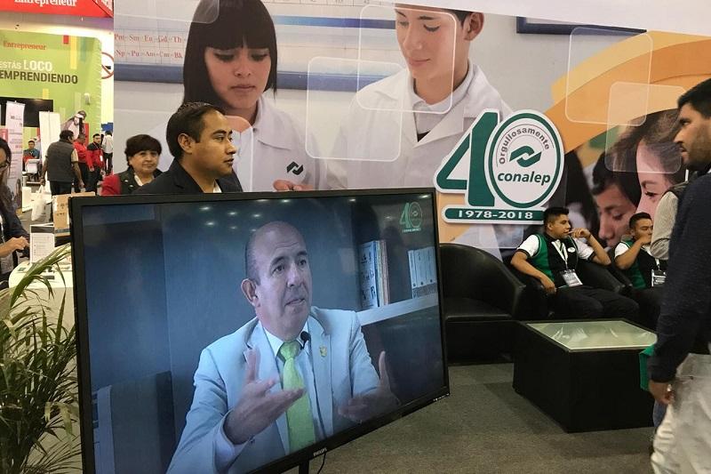 Destacan trayectoria del Secretario de Educación, Alberto Frutis Solís, como caso de éxito CONALEP