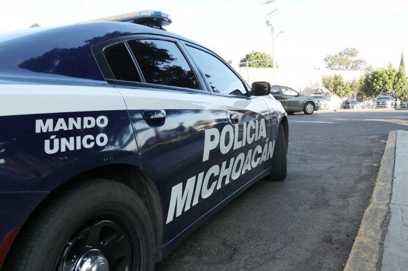 La Policía Michoacán aseguró 58 vehículos con reporte de robo e incineró más de mil 730 plantas de marihuana