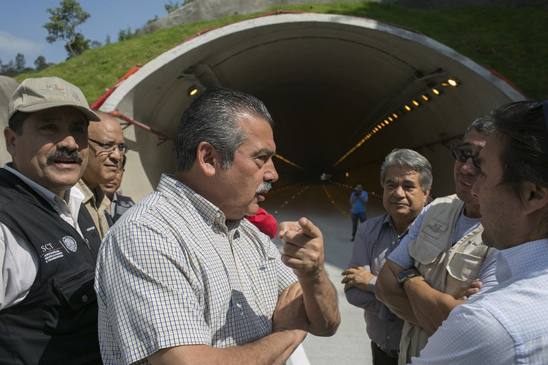 El alcalde comprometió una revisión de la obra a través de mesas de trabajo, con vecinos, autoridades estatales y federales
