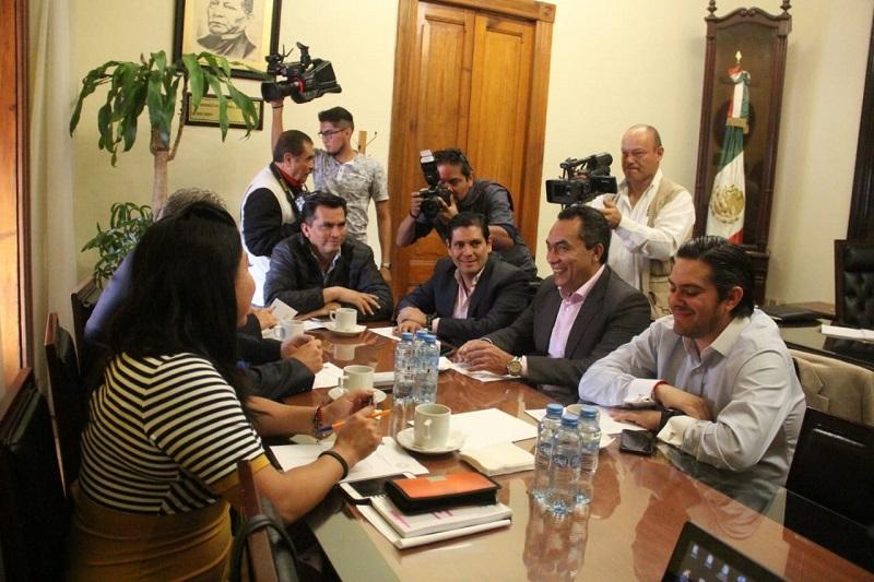 El líder de la bancada perredista, Adrián López Solís, afirmó que el objetivo del GPPRD es ser factor de estabilidad del estado y aportar al desarrollo de los ciudadanos