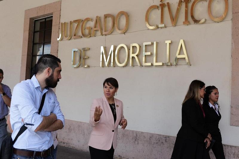 Funcionarios y ex funcionarios de Guatemala conformaron esta agrupación que visitó las instalaciones municipales del CAV y los juzgados cívicos