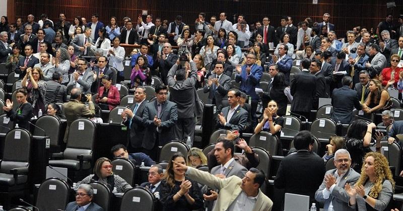 Hugo Éric Flores dijo que el PES no pidió presidir la comisión de Salud, y en el caso de Cultura, dijo que Morena había propuesto para presidirla a Sergio Mayer