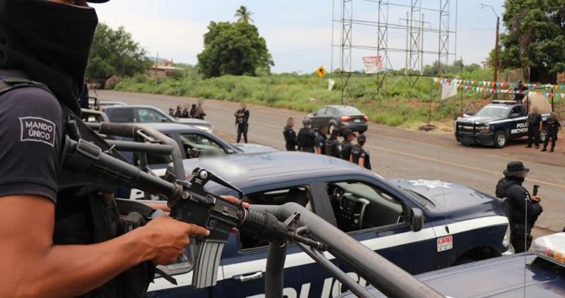 En seguimiento a la Operación Limpieza, los agentes de la Policía Michoacán aseguraron también tres armas de grueso calibre en esta zona de la Tierra Caliente