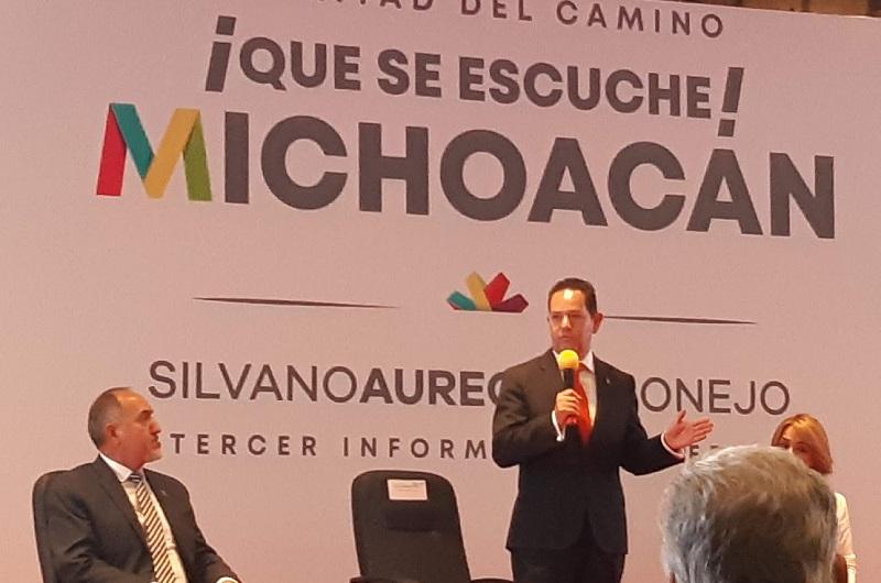 En su participación, Melgoza Velázquez destacó que Michoacán está trabajando en cinco indicadores que han hecho al estado apto para las inversiones nacionales e internacionales
