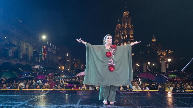 """La Diosa de la Cumbia aseguró """"Morelia, es mi ciudad favorita"""" al llenarse de aplausos y reconocimientos de los asistentes"""