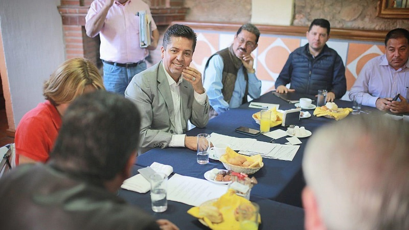 Toño García sostuvo que es necesario hacer una sola fuerza de trabajo para generar condiciones que atraigan una mayor cantidad de visitantes a los Pueblos Mágicos de Michoacán