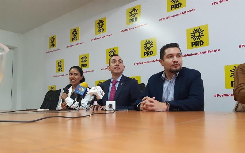 En rueda de prensa, Soto Sánchez celebró las coincidencias que hay entre el PRD y López Obrador, pero lamentó que esté enfocando todos sus esfuerzos sólo a los programas sociales