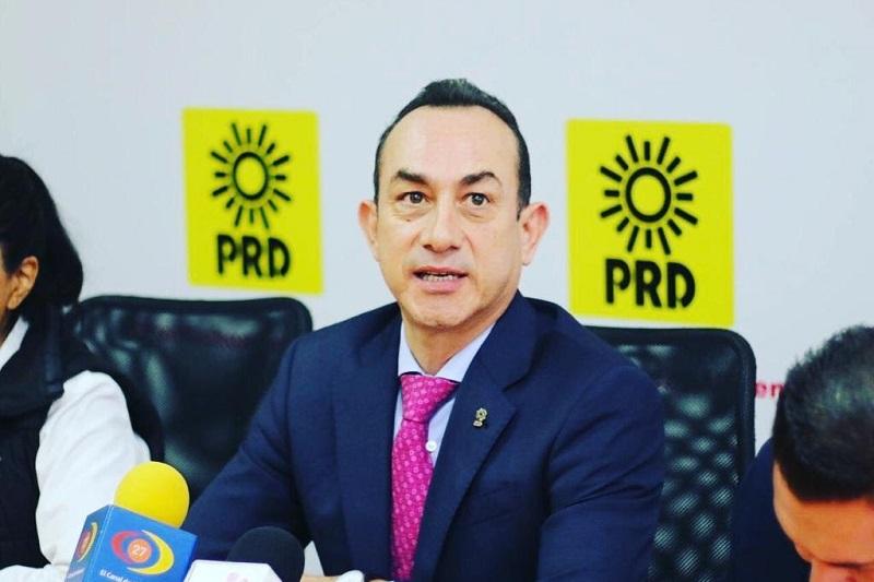 Ante el daño que presentan las calles y avenidas en Morelia, Soto Sánchez hizo el llamado para que el Gobierno de Morelia asuma su responsabilidad en la reparación y renovación de la infraestructura vial de la ciudad